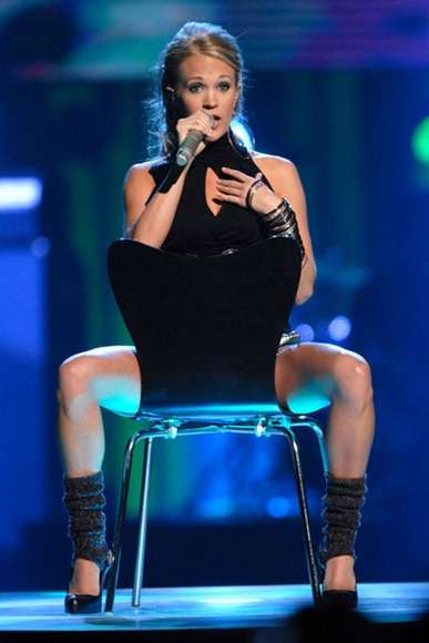 carrie-underwood-chair
