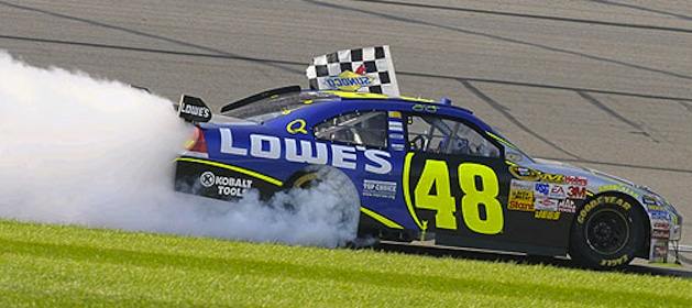jimmie-johnson-wins-chase-race-in-kansas