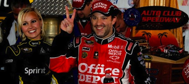 tony-stewart-celebrates-2012-win-at-fontana