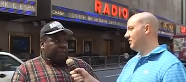 NFL Draft 2013: Man Pranks Football Fans Waiting to Enter Radio City Music Hall (Video)