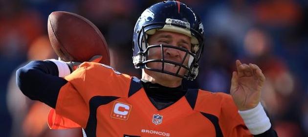 Peyton Manning throws pass for Broncos