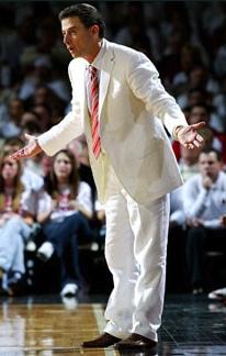 rick-pitino-louisville-white-suit