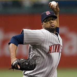 francisco-liriano-pitches-for-minnesota-twins
