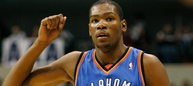 kevin-durant-leads-the-nba-in-scoring