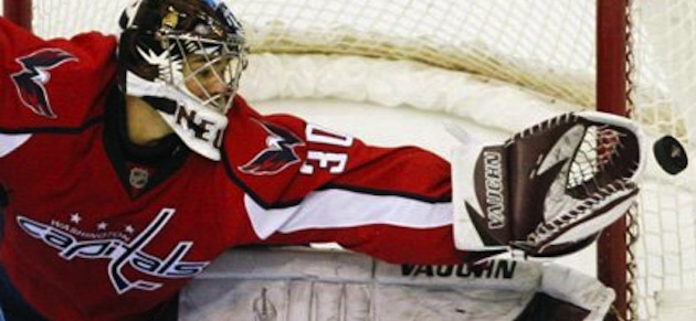 michal-neuvirth-washington-capitals-goalie